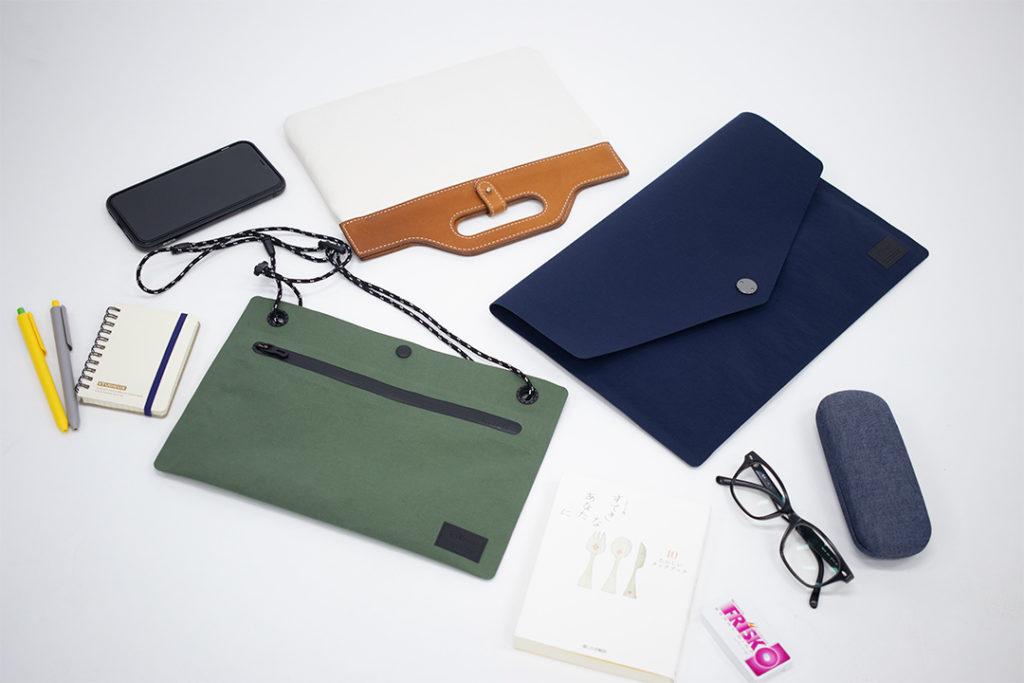 コンパクトなサコッシュ、クラッチバッグは貴重品だけ持ってちょっとお出かけ。