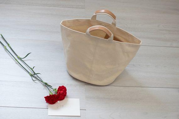 """母の日""""のプレゼントに、「超軽量リュックとバッグ」「高品質個性派バッグ」はいかがですか"""