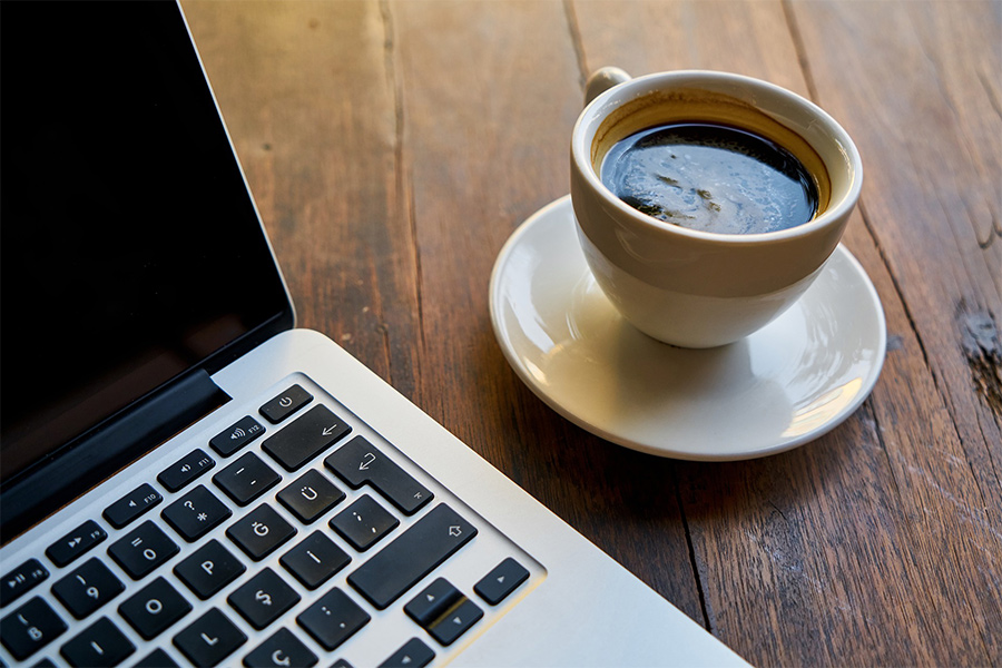 カフェ テレワーク